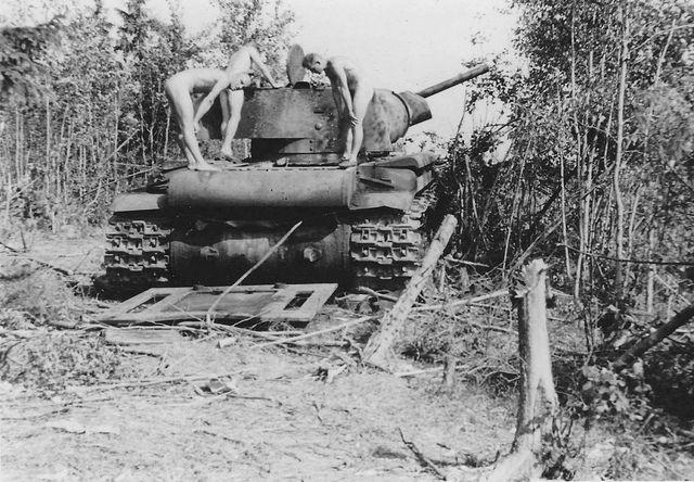 фото голых женщин времен войны