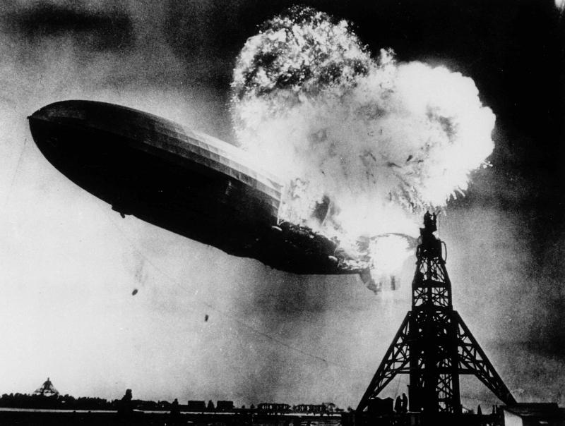 Photo Poster LZ 129 Hindenburg Moored at Lakehurst 12 x 18 in
