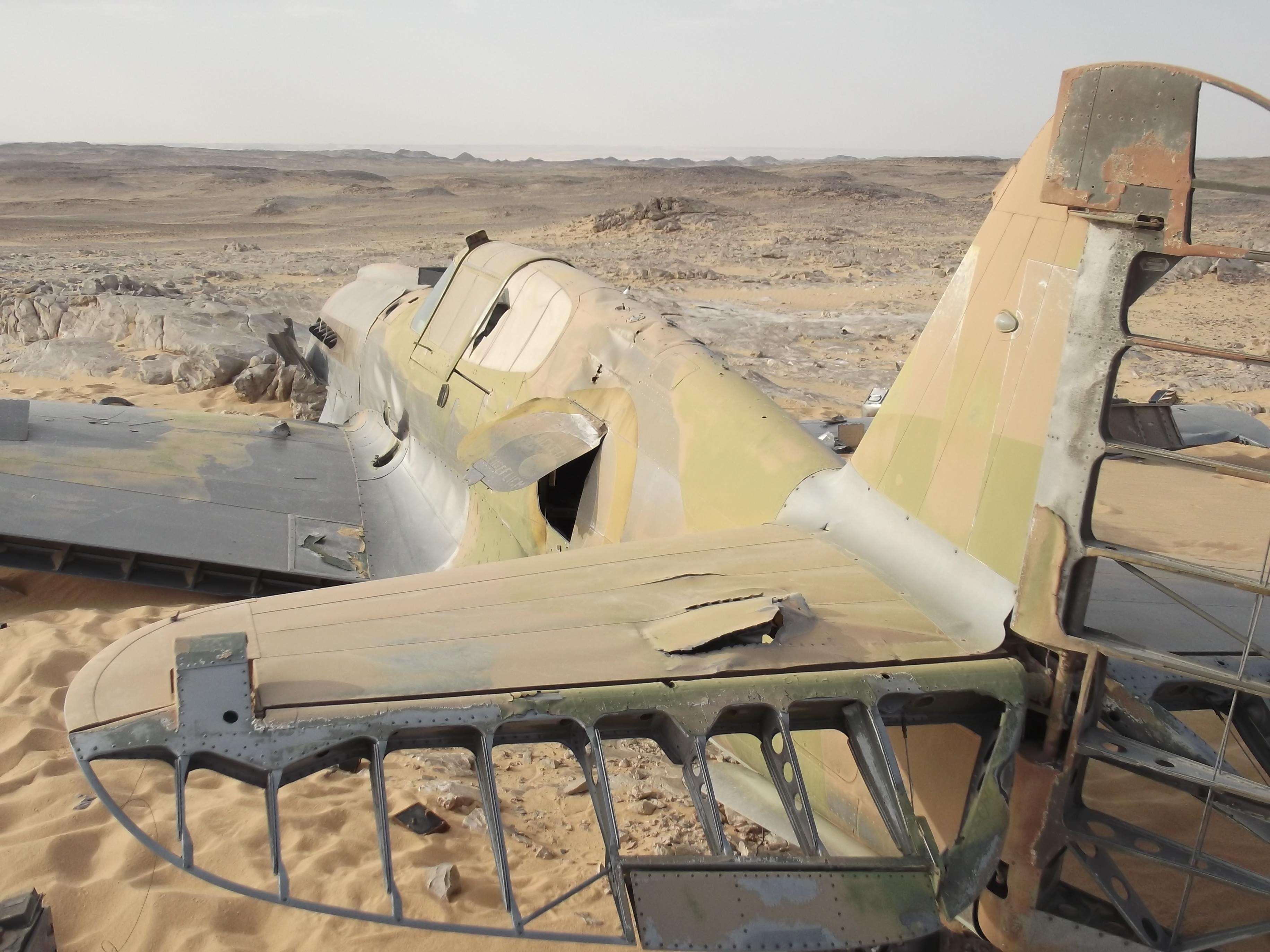 В сахаре нашли самолет королевских ввс времен второй мировой.